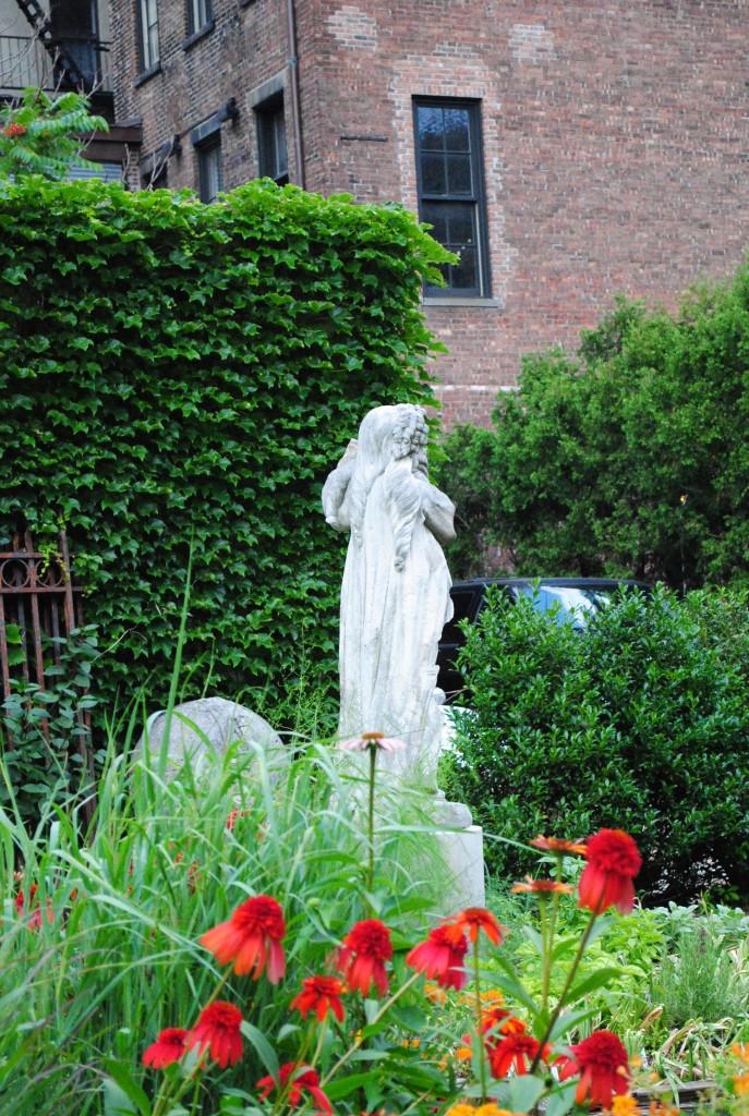Elizabeth Street Garden 7